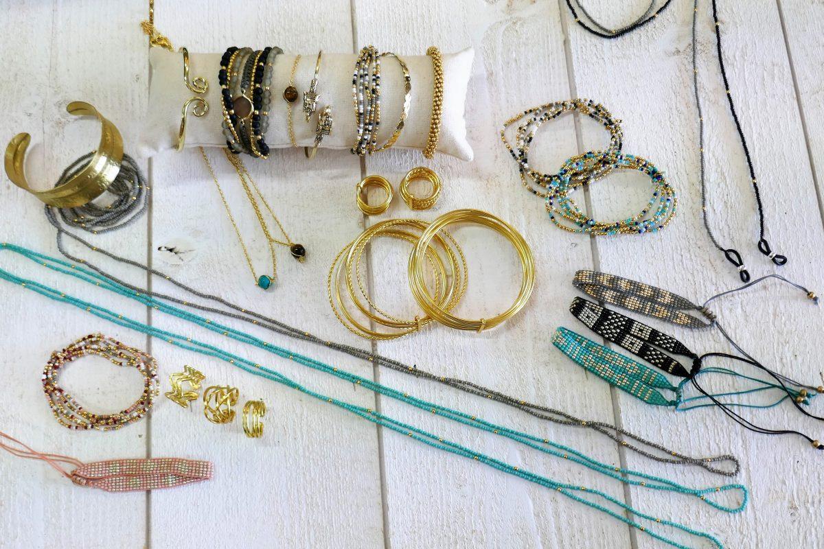 destockage bijoux fantaisie bois